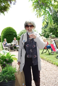 ART PARTY Rita Jukes in the garden