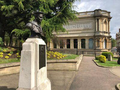 Douglas Morris Harris Statue and Art Gallery